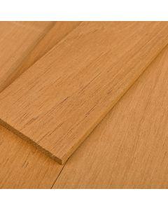 Tablas de madera de cedro aromático